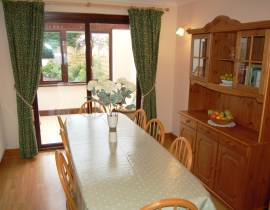 Emerald Bank Cottage dining room